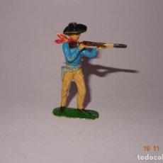 Figuras de Goma y PVC: ANTIGUO VAQUERO COW BOY EN PLÁSTICO PINTADO A MANO DE JECSAN - TIPO PECH - REAMSA - COMANSI. Lote 140779302