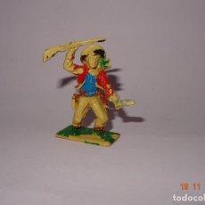Figuras de Goma y PVC: ANTIGUO VAQUERO COW BOY EN PLÁSTICO PINTADO A MANO DE JECSAN - TIPO PECH - REAMSA - COMANSI. Lote 140781798