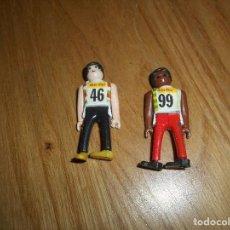 Figuras de Goma y PVC: 2 FIGURA MUÑECO PROMOCIONAL COLA CAO COLACAO AÑOS 70 DEPORTISTA ATLETA BLANCO Y NEGRO B.E.. Lote 140877386