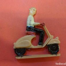 Figuras de Goma y PVC: ANTIGUA VESPA SOTORRES. Lote 141328926