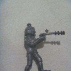 Figuras de Goma y PVC: FIGURA DE ROBOT DE REAMSA . EXTRATERRESTRE. Lote 141833270