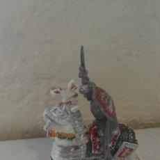 Figuras de Goma y PVC: CABALLO Y CABALLEROS LAFREDO. Lote 141953750