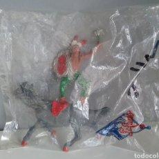 Figuras de Goma y PVC: INDIO MONTADO A CABALLO DE LAFREDO, BOLSA SIN ABRIR, SERIE OESTE DE LA 1A ÉPOCA TAMAÑO PEQUEÑO. Lote 142328810
