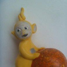 Figuras de Goma y PVC: FIGURA DE LOS TELETUBBIES: LALA . DE BULLYLAND , MADE IN GERMANY.. Lote 142834994