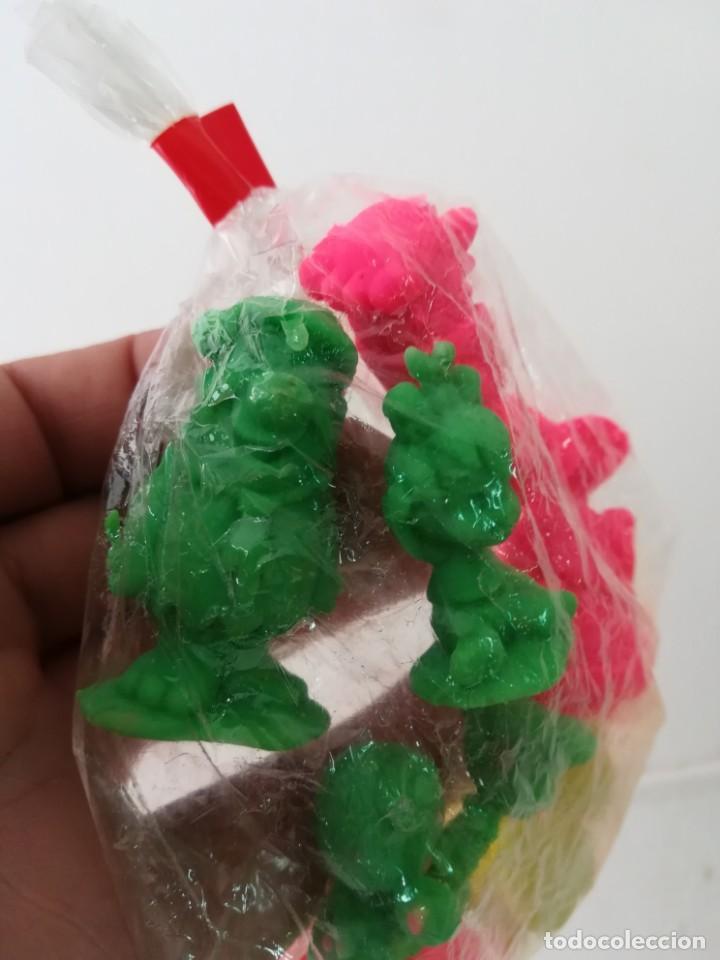 Figuras de Goma y PVC: Bolsa original con 13 figuras de los Picapiedra años 90 - Foto 3 - 143138162