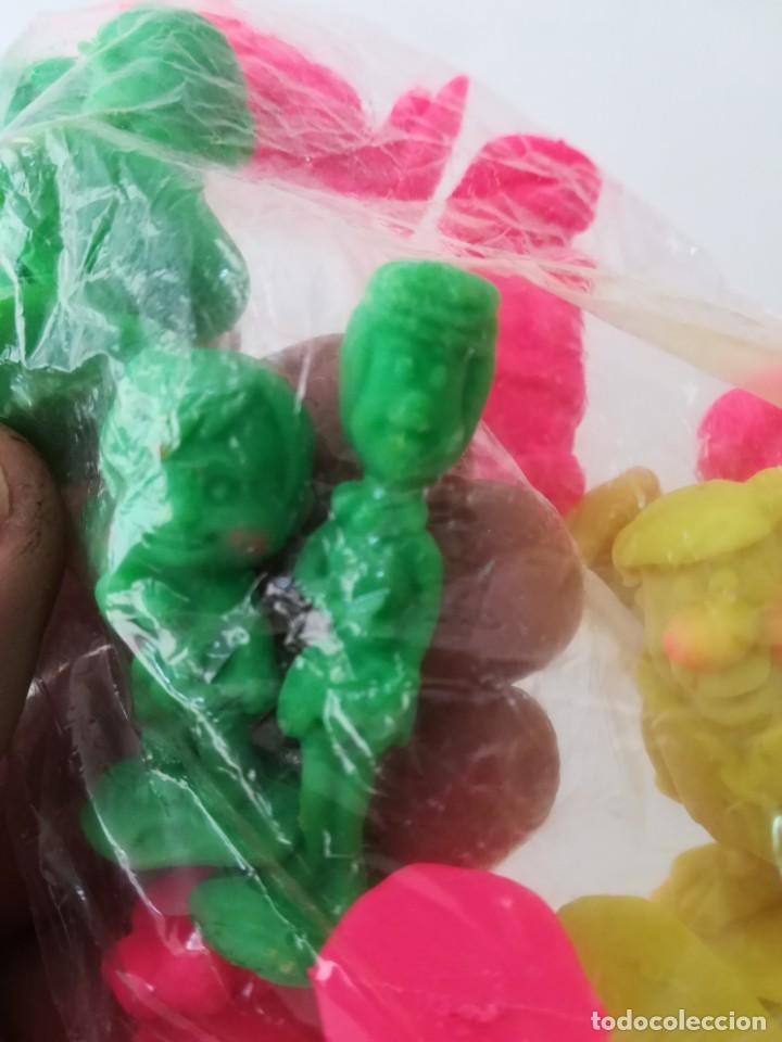 Figuras de Goma y PVC: Bolsa original con 13 figuras de los Picapiedra años 90 - Foto 5 - 143138162