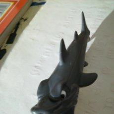 Figuras de Goma y PVC: TIBURON SPAIN CHUPACHUPS PVC. Lote 143179628