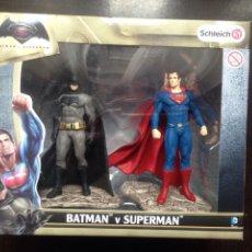 Figuras de Goma y PVC: BATMAN SUPERMAN SCHLEICH NUEVO. Lote 143291400