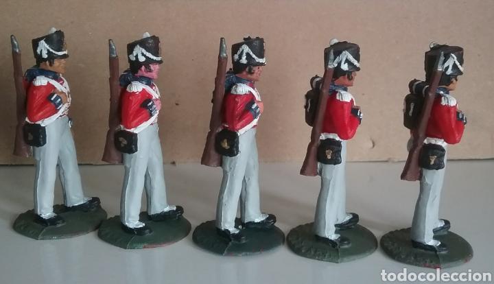 Figuras de Goma y PVC: Coldstream guards, soldados napoleónicos británicos, Timpo Waterloo, comp.Lafredo esc. britains - Foto 2 - 130516400