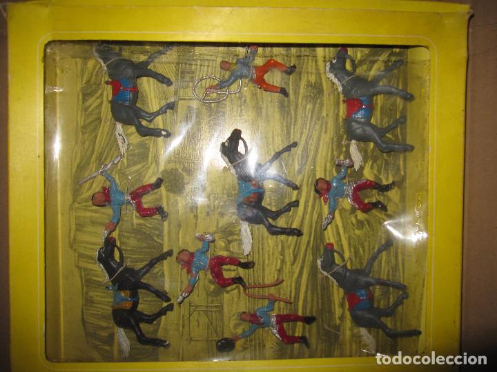 Figuras de Goma y PVC: CAJA DE VAQUEROS DE OLIVER/ PECH DESCATALOGADA - Foto 2 - 144104094