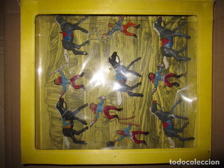 Figuras de Goma y PVC: CAJA DE VAQUEROS DE OLIVER/ PECH DESCATALOGADA - Foto 3 - 144104094