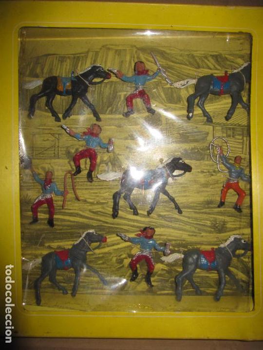 CAJA DE VAQUEROS DE OLIVER/ PECH DESCATALOGADA (Juguetes - Figuras de Goma y Pvc - Pech)