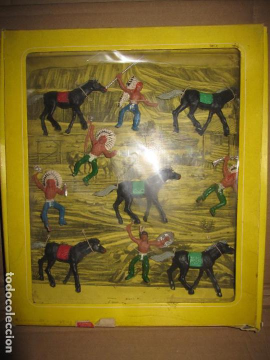 CAJA DE INDIOS DE OLIVER/ PECH DESCATALOGADA (Juguetes - Figuras de Goma y Pvc - Pech)