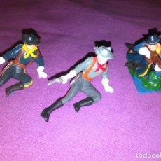 Figuras de Goma y PVC: LOTE DE 2 NORDISTAS Y UN SUDISTA DE PECH, EN PVC. Lote 144123234