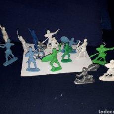 Figuras de Goma y PVC: LOTE 16 FIGURAS MUÑECOS MEDIEVALES PVC POSIBLEMENTE PECH 9 CM. Lote 144438398
