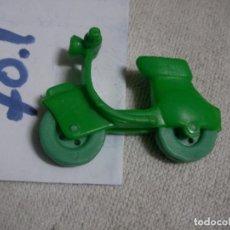 Figuras de Goma y PVC: FIGURA DE GOMA O PVC MOTO VESPA - ENVIO INCLUIDO A ESPAÑA. Lote 144440142