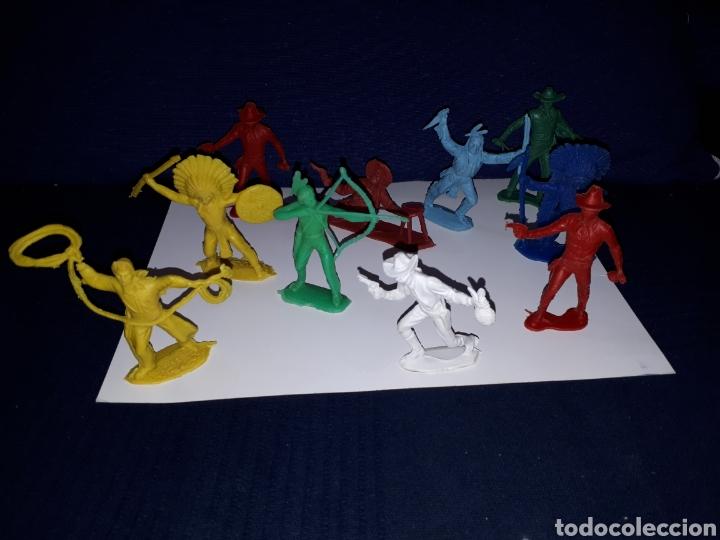 LOTE 10 FIGURAS MUÑECOS INDIOS VAQUEROS AÑOS 70 PECH (Juguetes - Figuras de Goma y Pvc - Pech)