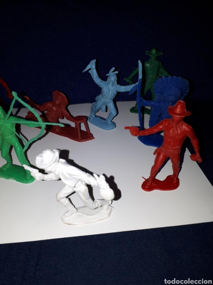 Figuras de Goma y PVC: Lote 10 figuras muñecos indios vaqueros años 70 pech - Foto 3 - 144440250