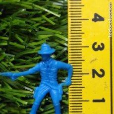 Figuras de Goma y PVC: FIGURAS PLASTICO DURO INDIOS , VAQUEROS, SOLDADOS MILITARES ETC WESTERN OESTE. Lote 144502898