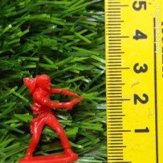 Figuras de Goma y PVC: FIGURAS PLASTICO DURO INDIOS , VAQUEROS, SOLDADOS MILITARES ETC WESTERN OESTE. Lote 144503422