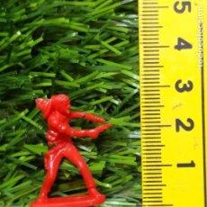 Figuras de Goma y PVC: FIGURAS PLASTICO DURO INDIOS , VAQUEROS, SOLDADOS MILITARES ETC WESTERN OESTE. Lote 144503514