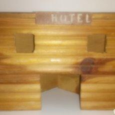 Figuras de Goma y PVC: HOTEL DE COMANSI. RUTAS DEL OESTE (OKLAHOMA /OREGON). AÑOS 70.. Lote 145225178