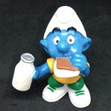 Figuras de Goma y PVC: PITUFO COMIENDO BOCADILLO. PEYO AÑO 1999. Lote 145729430