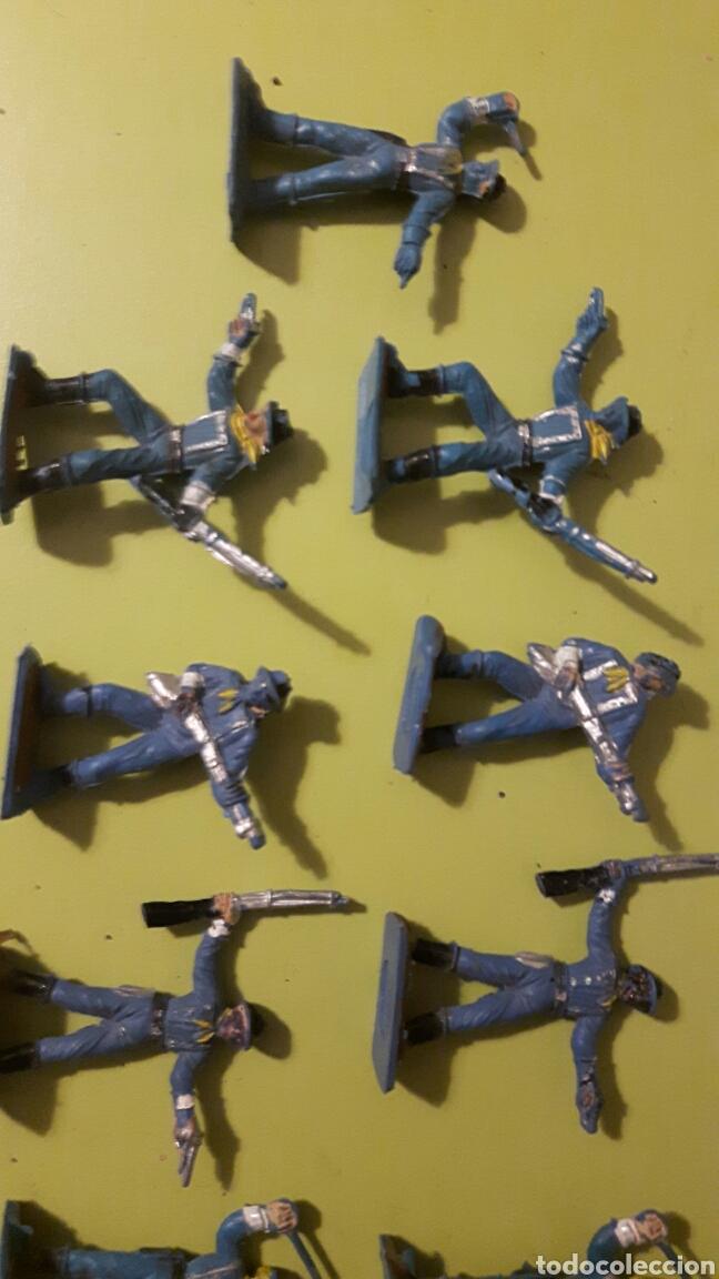 Figuras de Goma y PVC: Lote de 13 Soldados Yankes Comansi a pie Mini Oeste de Comansi - Foto 2 - 145838493