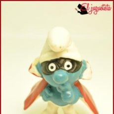 Figuras de Goma y PVC: PIT 82 - PITUFOS SMURFS PEYO - W GERMANY - PITUFO CON ANTIFAZ Y CAPA. Lote 145949978