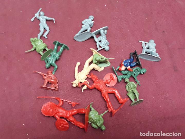 LOTE FIGURAS INDIOS.. VAQUEROS... AÑOS 70 (Juguetes - Figuras de Goma y Pvc - Otras)