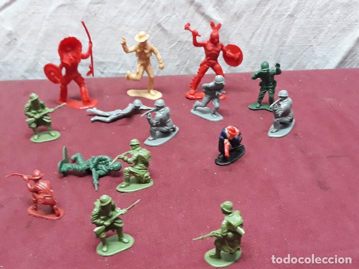 Figuras de Goma y PVC: LOTE FIGURAS INDIOS.. VAQUEROS... AÑOS 70 - Foto 3 - 146179726