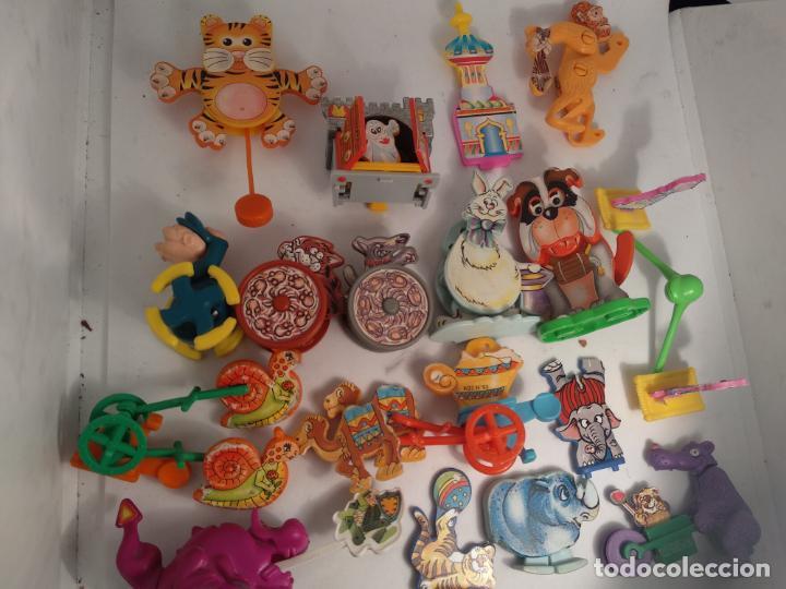 LOTE 18 FIGURAS FERRERO KINDER (Juguetes - Figuras de Gomas y Pvc - Kinder)