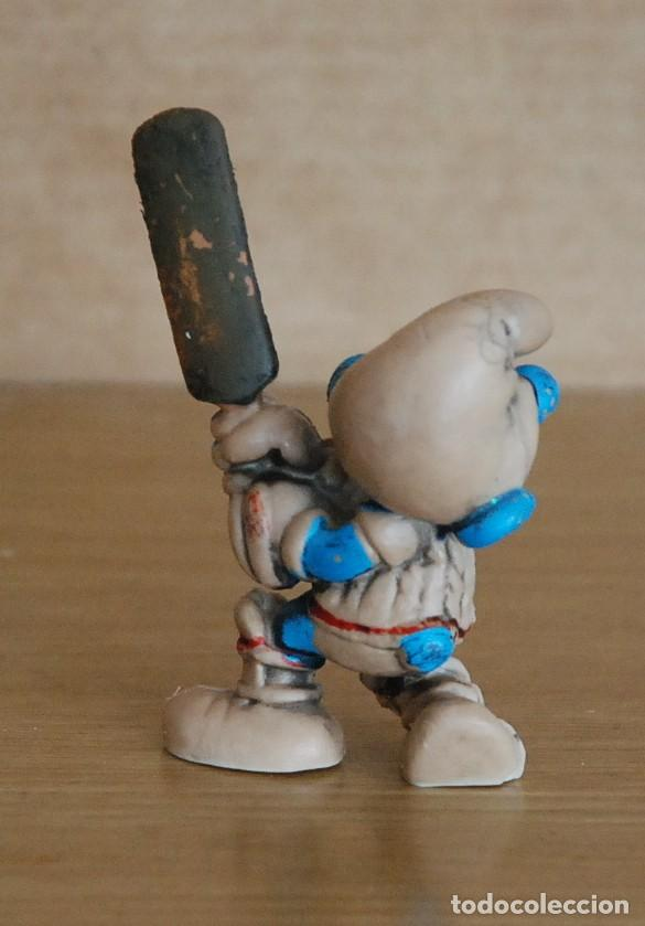 Figuras de Goma y PVC: Figura goma pitufo jugador cricket / criquet - sin marca - Foto 2 - 146584870