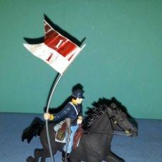 Figuras de Goma y PVC: SOLDADO FEDERAL ABANDERADO CON CABALLO BRITAINS LTD 1971 EN MUY BUEN ESTADO ORIGINAL MODELO 2 . Lote 146614838