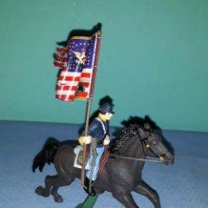 Figuras de Goma y PVC: SOLDADO FEDERAL ABANDERADO CON CABALLO BRITAINS LTD 1971 EN MUY BUEN ESTADO ORIGINAL MODELO 3 . Lote 146614902