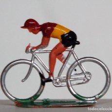 Figuras de Goma y PVC: SOTORRES - CICLISTA DE PLÁSTICO. Lote 146629722