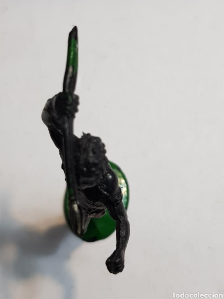 Figuras de Goma y PVC: Lafredo África Misteriosa Indígena con lanza Goma escaso - Foto 3 - 146741721