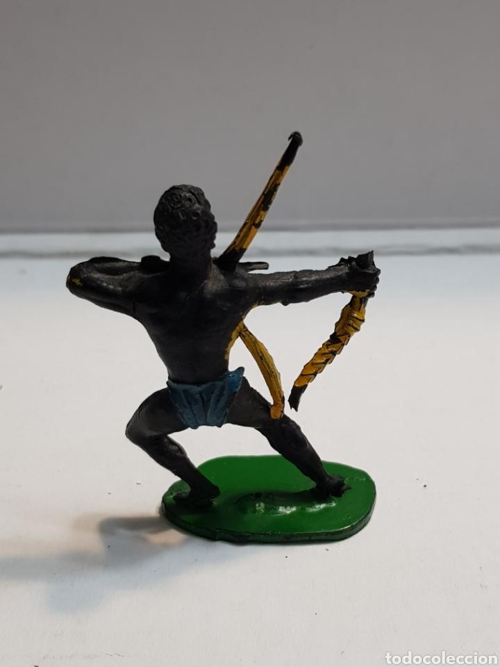 Figuras de Goma y PVC: Lafredo África Misteriosa Indígena con arco Goma escaso - Foto 2 - 146742317