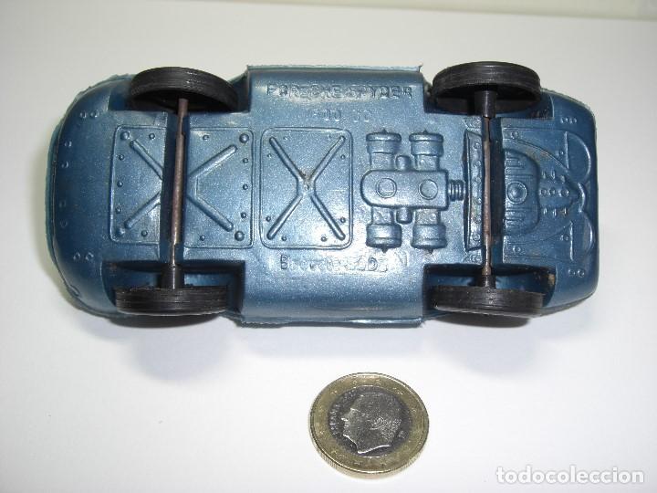 Figuras de Goma y PVC: Porsche Spider en plástico soplado. Azul metalizado. Años 60. Bien conservado - Foto 2 - 146750202