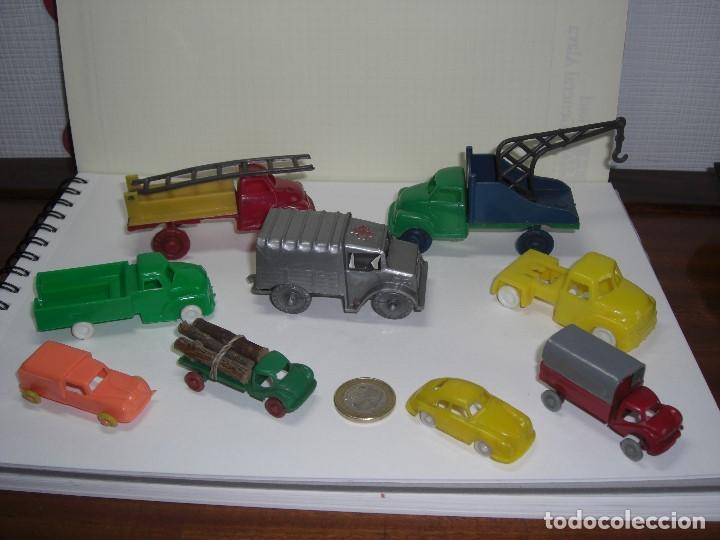 COCHES, CAMIONES Y OTROS VEHÍCULOS. AÑOS 60. PLÁSTICO RÍGIDO. (Spielzeug - Gummi- und PVC-Figuren - Pipero)