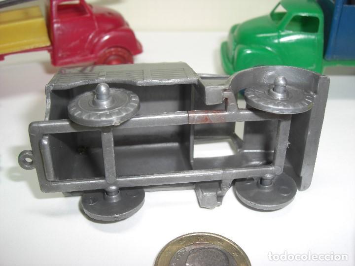 Gummi- und PVC-Figuren: Coches, camiones y otros vehículos. Años 60. Plástico rígido. - Foto 5 - 146750774
