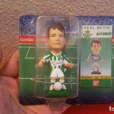 Figuras de Goma y PVC: FIGURA DE GOMA O PVC JUGADOR DE FUTBOL BANDAI ALFONSO REAL BETIS COLECCION FIGURAS DEL FUTBOL 1997. Lote 146786398