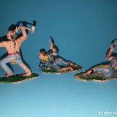 Figuras de Goma y PVC: INDIO SIOUX Y DOS FEDERALES DE REAMSA, PLASTICO, AÑOS 60.. Lote 147037018