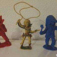 Figuras de Goma y PVC: LOTE OESTE VAQUERO LAZO LAFREDO INDIOS SERIE GRANDE HECHOS EN ESPAÑA. Lote 147443261