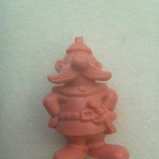 Figuras de Goma y PVC: FIGURA DE DUNKIN DE ASTERIX : BRETON . DETRAS PONE DARGAUD. Lote 147554422