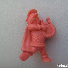 Figuras de Goma y PVC: FIGURA DE DUNKIN DE ASTERIX : BARDO GALO ABRARACURSI . DETRAS PONE DARGAUD. Lote 147557318