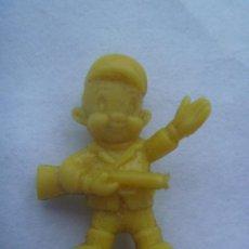 Figuras de Goma y PVC: FIGURA DE DUNKIN DE WARNER BROS : CAZADOR.. Lote 147584214