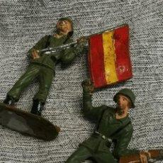 Figuras de Goma y PVC: FIGURAS DE PVC COMANSI- ABANDERADO ESPAÑOL Y SOLDADO- SERIE TODOS LOS SOLDADOS DEL MUNDO. . Lote 147699438
