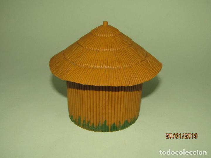 Figuras de Goma y PVC: Antigua CABAÑA O CHOZA en Plástico de la Serie SAFARI de PECH Hnos. - Año 1960s. - Foto 3 - 147783962