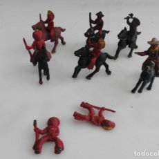 Figuras de Goma y PVC: LOTE DE FIGURAS INDIOS Y VAQUEROS DE CAPELL . Lote 147886770